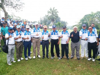 Awang Buka Happy Golfing With AFI 69 Th