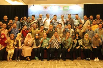 Insentif Program FCPF Carbon Fund. Pembayaran Tiga Tahap