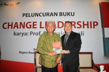 Peluncuran buku Change Leadership - Non Finito